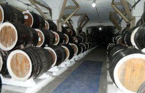 gruzinskij-koniak-na-tbilisskom-koniacnom-zavode